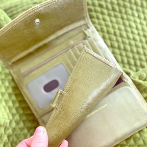 Handbags - Vintage 1980s green wallet with coin pouch